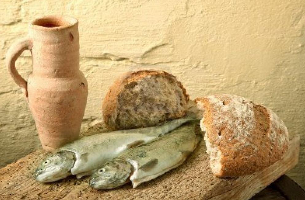 fish-bread-cup